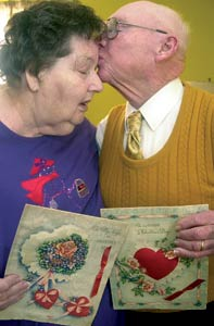 An American couple from Oklahoma have been exchanging the same Valentine Day cards since 1946