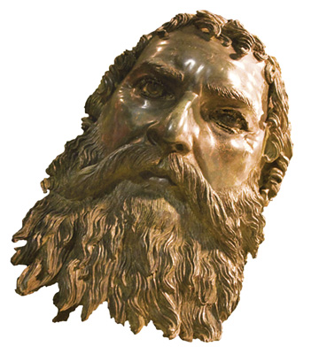 2004 was a golden year for archaeologist Dr Georgi Kitov. After discovering the stunning gold mask in Svetitsata tumulus, he found another treasure in the neighbouring Golyamata Kosmatka tumulus. However, no body was prepared for the discovery of a bronze bearded head on the site. Kitov speculated that the head belonged to a life-size statue of the Thracian king Seuthes III (331–300 BC) and was ritually severed from it
