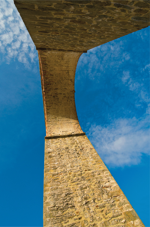 The aqueduct is a striking structure designed to supply the Kastro with fresh water
