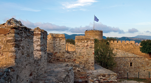 The Byzantine and Ottoman castle was built on the foundations of an Antiquity fortress. At a certain point of its existence it had even a prison. Today the Kastro is used as a tourist attraction and an open air concert venue