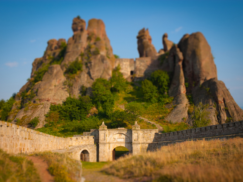 The Belogradchik Fortress is the descendant of a Roman fortification. The highest rocks guarding it are up to 70 metres high