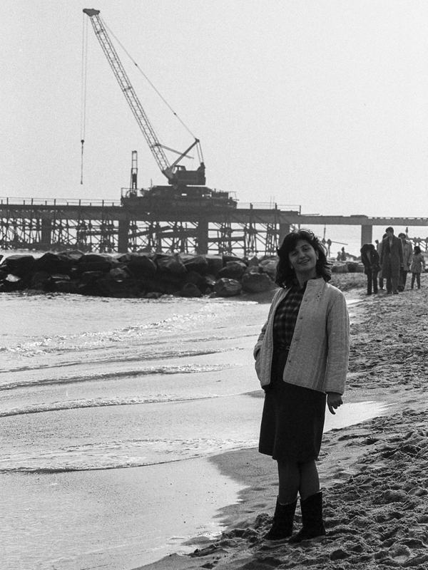 Construction of the new pier, 1985