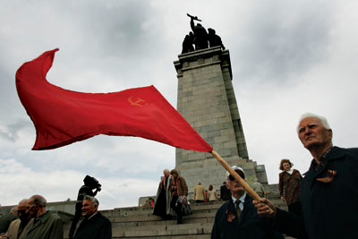 On 9 May (Victory Day in Soviet parlance; now Day of Europe) as well as other Communist great dates such as 9 September and 7 November the Red Army Monument attracts nostalgic Socialists