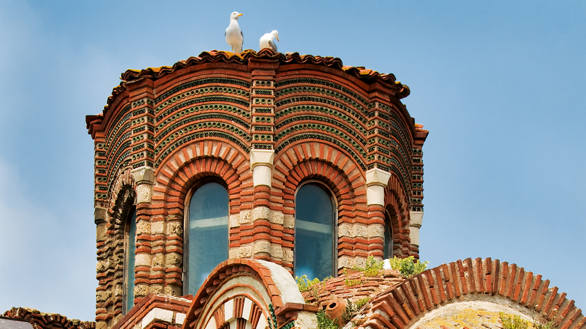 The 13th-14th century Christ Almighty church is the best example for the Constantinople-inspired decorative style in Nesebar